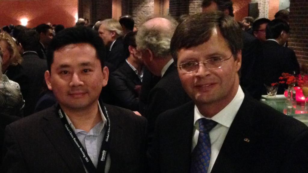 Delegates with fmr Dutch Prime Minister Jan Peter Balkenende (right)